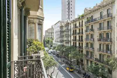 Stunning spacious apartment in a prestigious area of Barcelona